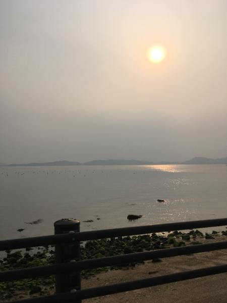 渋川海岸春の夕日