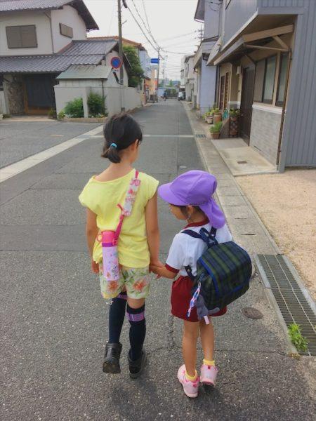 長女(7歳)と次女(4歳)